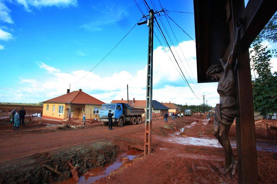 A vörösiszap-katasztrófa hetedik évfordulóján is elszámolást követel a Zöld Válasz Egyesület