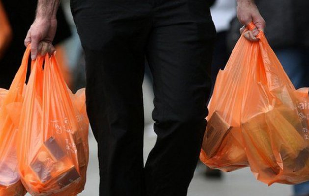 Magyarország is a műanyag zacskók betiltását tervezi